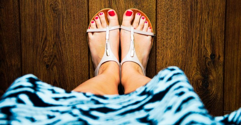 Sandales, claquettes ou espadrilles : quelles chaussures pour les beaux jours ?